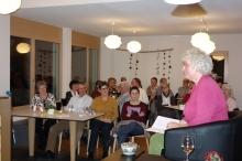 Beatrice Nater beim Erzählen einer Toggenburger Sage