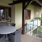 EG Gedeckter Sitzplatz und Balkon
